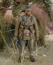 Royal Model 1/35 Wehrmacht Gebirgsjager Standing with MP 40 WWII 161