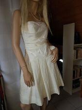 Trägerlose kurze Brautkleider
