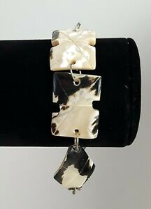 "Carved Rectangular Natural Black Mother Of Pear Shell Bracelet Lobster Clasp 8"""
