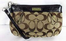 COACH Brown/Khaki Op Art Black Jacquard Wristlet Wallet Msrp $65.00