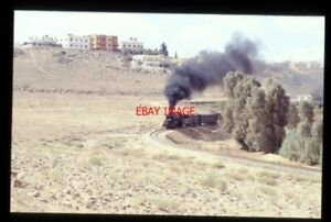 PHOTO  JORDAN RAILWAY NIPPON 4-6-2 LOCO NO 85 NR ZIRKA