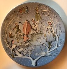 Haviland Twelve Days Of Christmas Collection Plate Eight Maids milking Perfect.