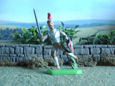 Vintage Britains Medieval knight with sword 1:32 painted
