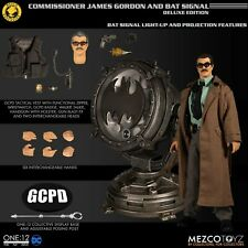 Mezco One 12 Collective Commissioner James Gordon Bat Signal Deluxe SEALED MINT