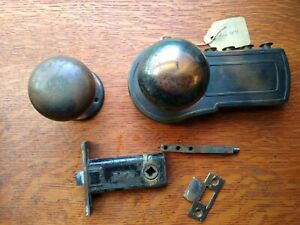"Antique ""Deal"" Mechanical Keyless Lock Set  Automatic Lock, Knobs, Rose Pat 1938"