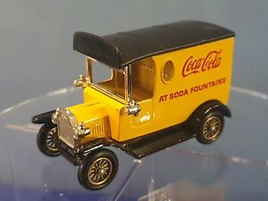 Lledo Days Gone DG6 1920 Model T Ford Van Boxed with Figures COCA COLA SODA