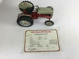 1952 Ford 8N Tractor 1:16 Danbury Mint w' Certificate of Title