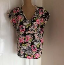 ATMOSHERE BRAND LADIES TOP SIZE 12 EU 40  BLACK FLORAL V NECK SHORT SLEEVE