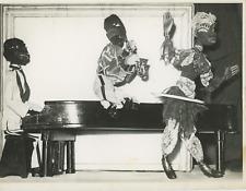 Тhéâtre de marionnettes, 1950 Vintage silver print Tirage argentique  17x22