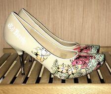 Ed Hardy Beige Khaki Pumps Size 9 Koi Fish Hibiscus Flower Metal High Heels