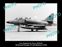 HISTORIC AVIATION PHOTO OF RNZAF NEW ZEALAND AIR FORCE, SKYHAWK JET c1990s