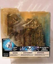 McFarlane Toys - AVP Alien vs. Predator - with Base Action Figure Playsets