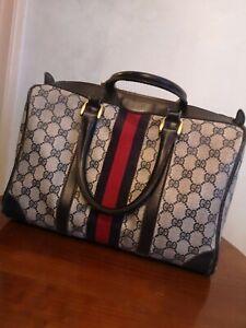 Vintage 80s Gucci handbag all original fixtures.