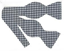 Houndstooth Bow tie / Indigo Blue & White Houndstooth / Self-tie Bow tie