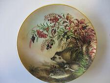 Wand-Zier-Sammel-Teller Igelfamilie auf Herbstspaziergang Lilien Porzellan Goldr