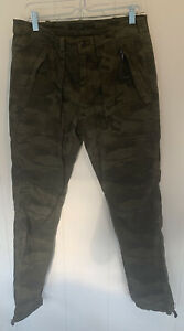 Abercrombie camo mens cargo pants 30 X 32 Pockets Adjustable At The Bottom