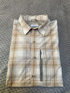 Columbia Mens Omni-Wick Short Sleeve Button Up Shirt - Size M