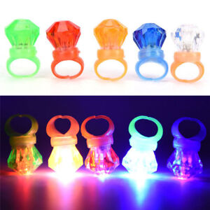 30 x LED Flashing Ring Finger Shiny Children Party Light up Glow in the dark