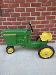 Vintage ERTL John Deere 20 Pedal Tractor  D-65