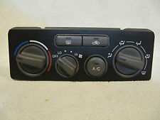 2001-2002 Toyota Corolla AC Heater Climate Control Unit  55900-02070
