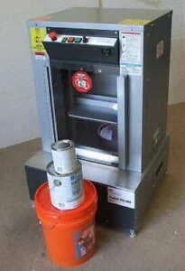 Fluid Management Harbil 5G Paint shaker - Remanufactured With Warranty