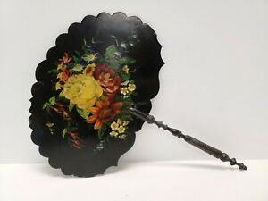 A RARE VICTORIAN LADIES HAND FACE SCREEN FAN HAND PAINTED LACQUER