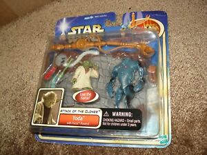 """Star Wars 2003 ATTACK OF THE CLONES """"YODA WITH FORCE POWERS"""""""
