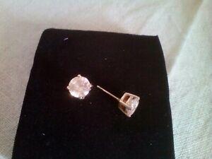 Diamante Stud Earrings ( Claw Set)