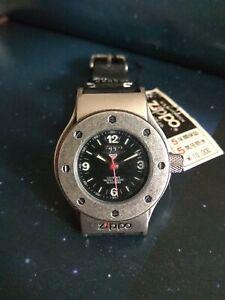 Reloj deportivo Original Zippo, movimiento Quartz, corona roscada. Dial negro.