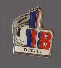 Pin's Pompier / DZL District Zone de Lacq (Mourenx / Aquitaine)