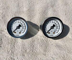 VDO Mini Fuel Pressure Gauges 0-15 psi 1-1/2 inch Diameter Analog Mechanical