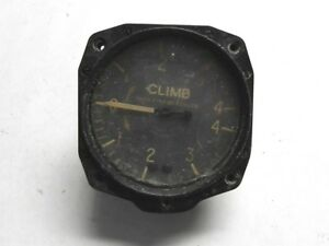 """AIRPLANE CLIMB GAUGE VINTAGE ACA # RC2L, CAA-74 31/8"""" OD FACE USED GREAT FIND!"""