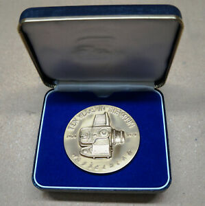 HASSELBLAD TEN YEARS ON THE MOON 1969-1979 BRONZE MEDAL COMMEMORATIVE IN CASE!