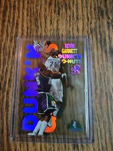 1998-99 Skybox EX Century Dunk'N Go-Nuts Kevin Garnett Card #8 of 20 DG