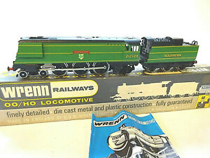 WRENN OO GAUGE S.R. GREEN WEST COUNTRY 'PLYMOUTH' LOCOMOTIVE W2266 [BOXED]