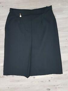 True Vintage 1960s Aline Skirt Black Size 14-16 Classic Pleated front split hem