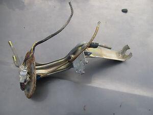 Mazda B2200 B2600 EFI USED Curved Fuel Pump Bracket With new gasket