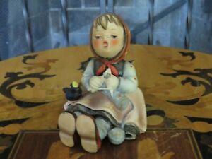 Retired Goebel Hummel Happy Pastime Knitter 69 Figurine TMK-5 (1937)