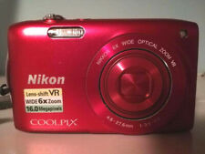 Nikon Red Coolpix S3300 fotocamera 6X Zoom 16 MP + Cavo USB + Custodia
