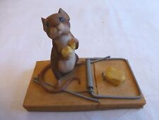 AYNSLEY MASTERCRAFT MOUSE SITTING NEXT TO MOUSETRAP EATING CHEESE 1985 EXCELLENT