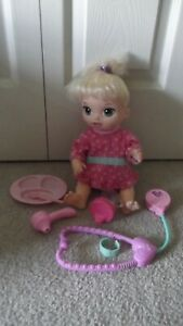 Baby Alive Twinkles & Tinkles Blonde Hair Doll Flip Down Diaper Talk & Light Up