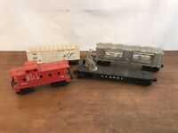 LIONEL Trains Plastic Boxcars Caboose Flatcar Fort Knox Gold Reserve Lot of 4