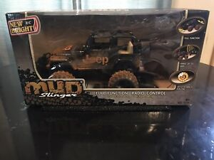 New Bright 1:15 Scale RC Mud Slinger JEEP Rubicon