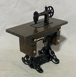 "Singer Treadle Sewing Machine Metal & Wood Mini Minature Dollhouse Furniture 3"""