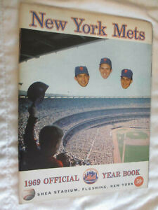 1969 NY METS OFFICIAL YEARBOOK ORIGINAL ~ BASEBALL MLB World Series Champions *