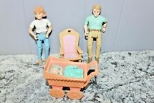 FISHER PRICE LOVING FAMILY MOM, DAD, ROCKING CHAIR GALOOB BABY & BUGGY GOOD COND