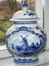 "XXL Delft ""J"" Deckelvase Fayence blau Blumenmalerei Windmühle 37 cm Amphore"