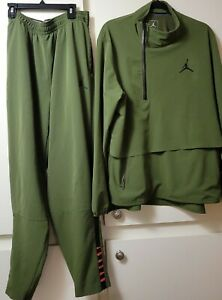 Nike Shield Jordan Wind & Water Resistant Light Weight, Green,  Jacket & Pants