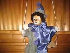 Harlekin auf Schaukel Clown Porzellanpuppe Porzellangesicht ältere Sammlerpuppe?