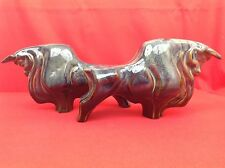 Paire taureaux stylisés céramique c.milieu XXe Fin période Art Déco Grès irisé?